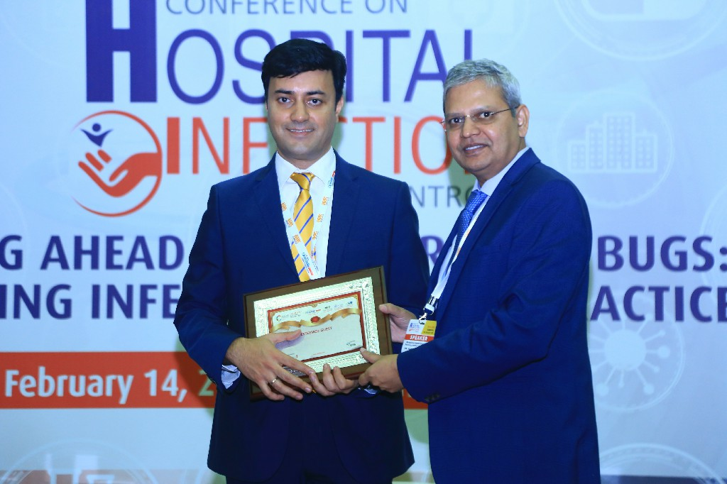 Dr-Manish-Mattoo-Zonal-Director-Fortis-Hospitals-Bangalore-Dr-Ranga-Reddy-Burri-President-Infection-Control-Academy-of-India-IFCAI