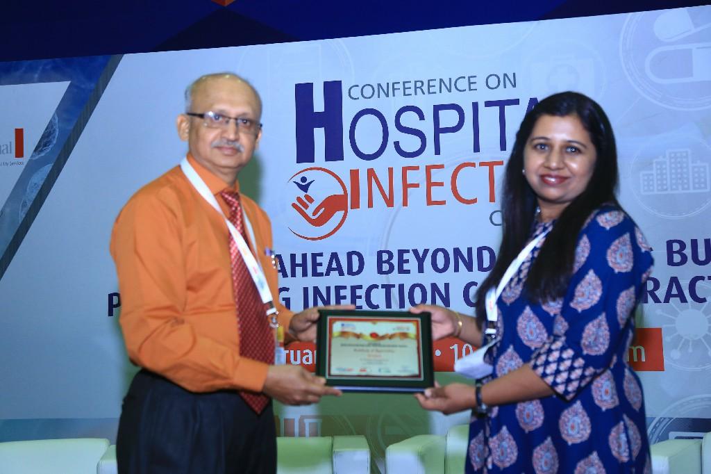 Dr-Raghavendra-Kulkarni-Professor-Head-Department-of-Microbiology-SDM-Medical-College-Dr-Akshatha-B-Sangannavar-Consultant-Microbiologist-Gokula-Metropolis-3